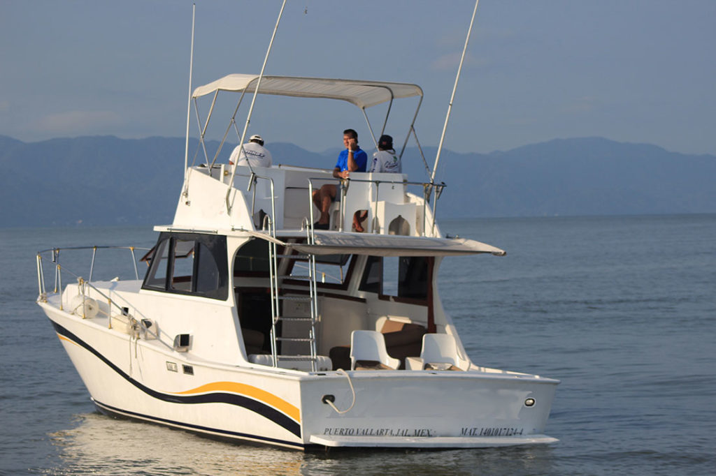 42-ft-convertible-fishing-boat-fishing-stern