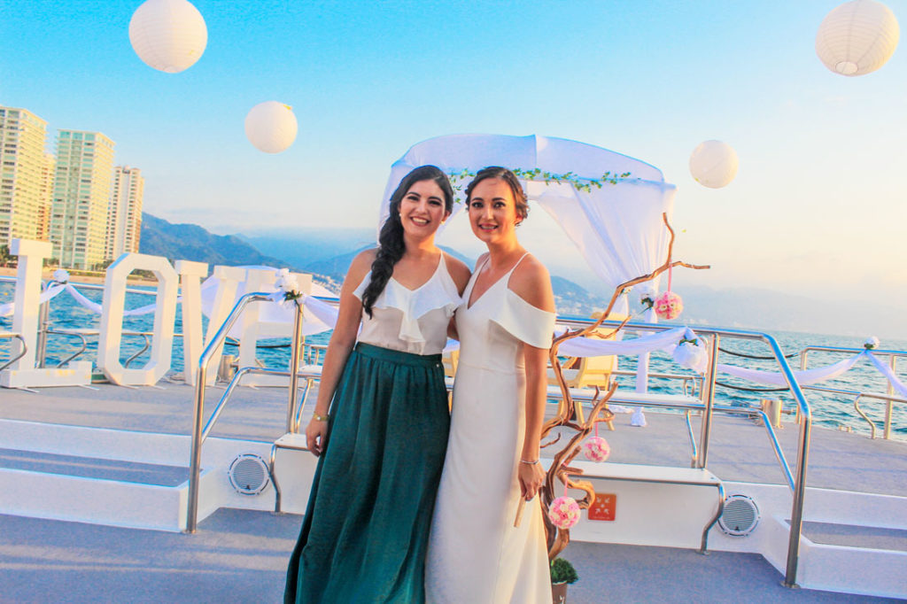90-footLuxury-Catamaran-food-wedding