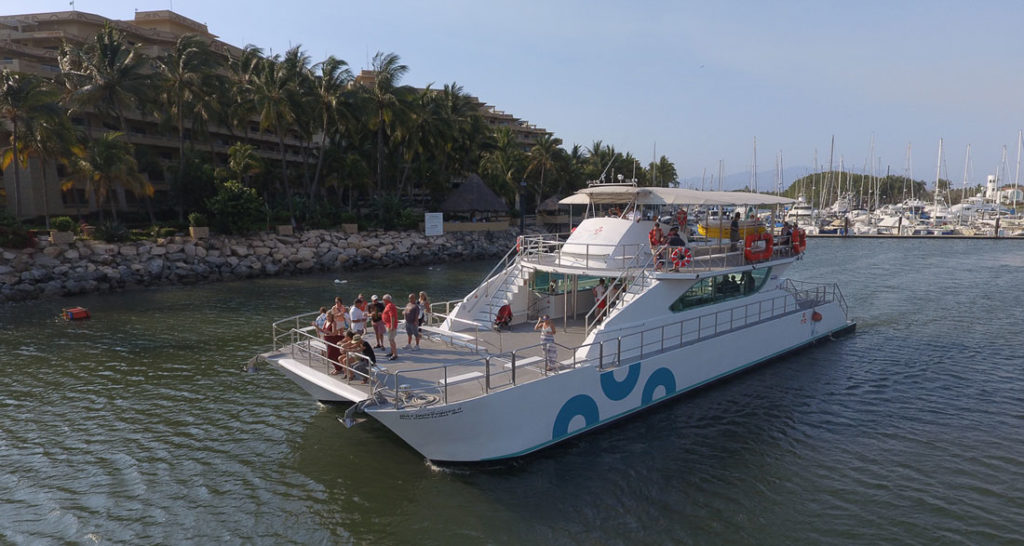 90-footLuxury-Catamaran1