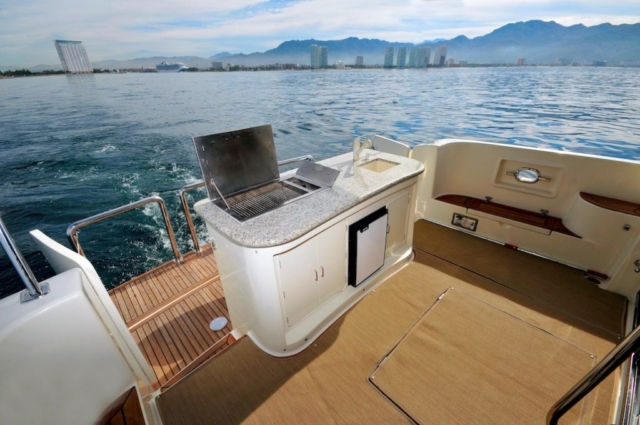 57 ft. McKinna - Power Yacht - Up to 12 People - Stern