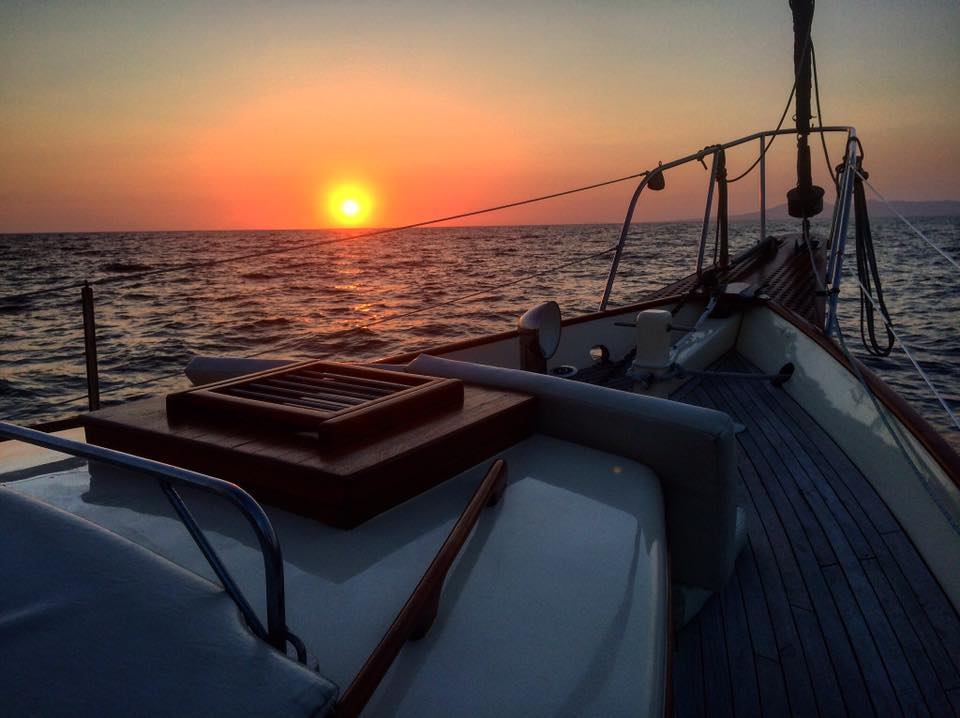 luxurious 45-foot ketch sailboat - sunset2