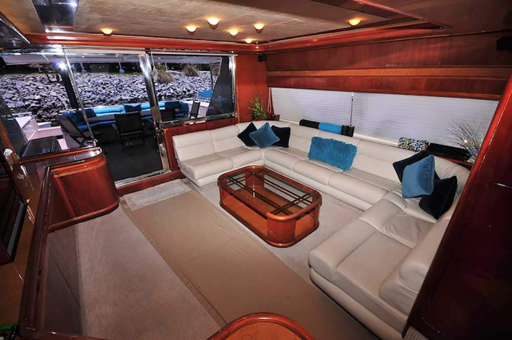 80 FT Ferretti Power Yacht Up to-30-People-AC-Salon-Reception-with-Entertaintment-Center