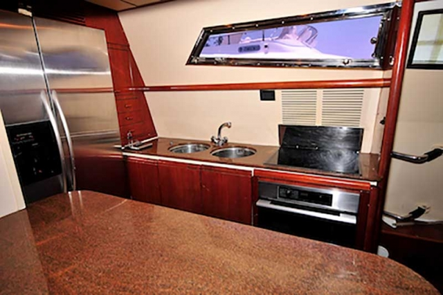 80-FT-Ferretti-Power-Yacht-Up-to-30-People-Bar-and-Fully-Equipped-Galley