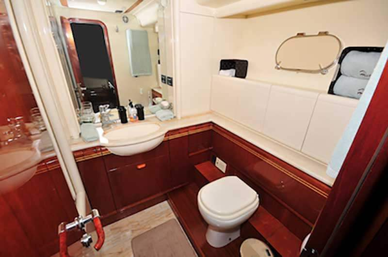 80-FT-Ferretti-Power-Yacht-Up-to-30-People-Guest-Stateroom-Ensuite-Bathroom