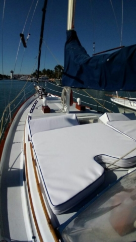 38 ft. Ketch Sailboat – Up to 12 People