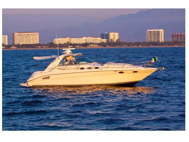 37-FT-SeaRay-Sundancer-Power-Yacht-Up-to-10-People-Sea-Ray-37-stand-still
