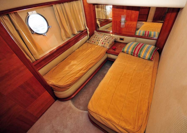 62-FT-Azimut-Luxury-Power-Yacht-Up-to-25-People-Guest-Double-Stateroom