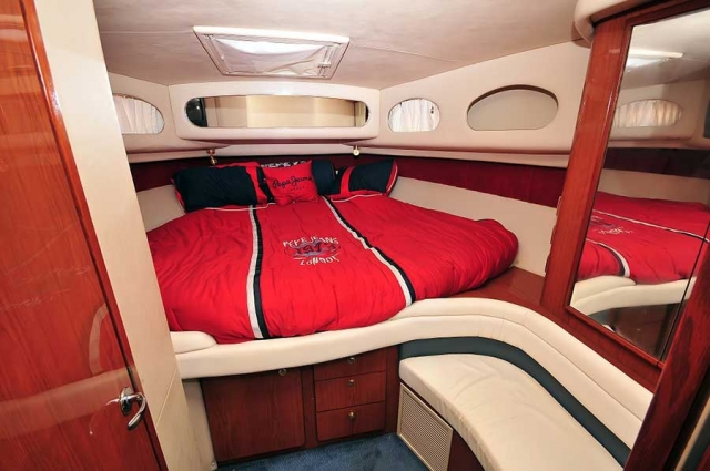 46-FT-Sea-Ray-Power-Yacht-Up-to-15-People-Main-Head-Stateroom