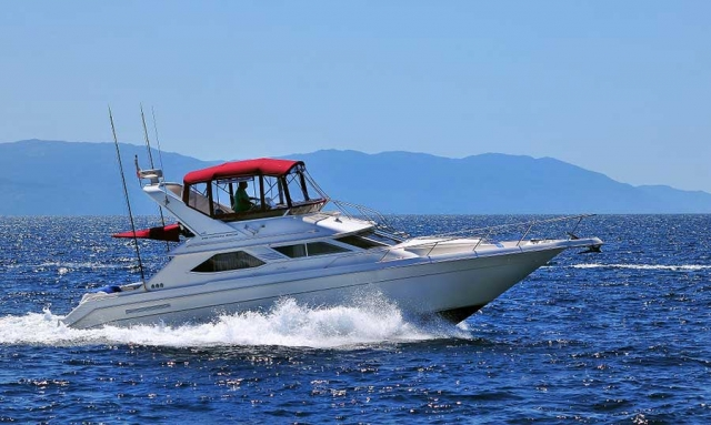 46-FT-Sea-Ray-Power-Yacht-Up-to-15-People1