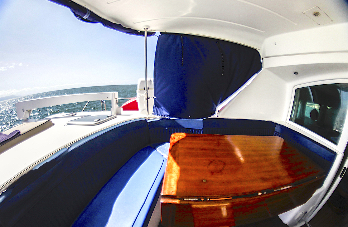 43-FT-Lagoon-Power - Aft Covered Cockpit and Seats