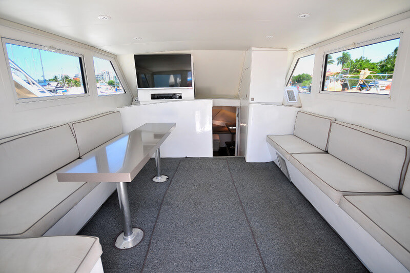 40 ft. Custom LuxuryFishing Boat-Up to 10 People - Closed Air Cond Full equipped Cabin dinette - seats