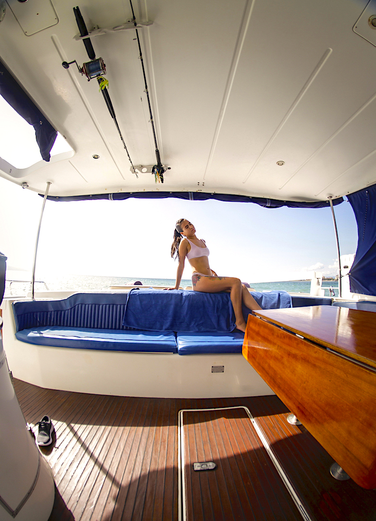 43-FT-Lagoon-Power - Cover - hardtop shade Aft