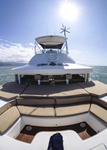 43-FT-Lagoon-Power - Front deck Seats