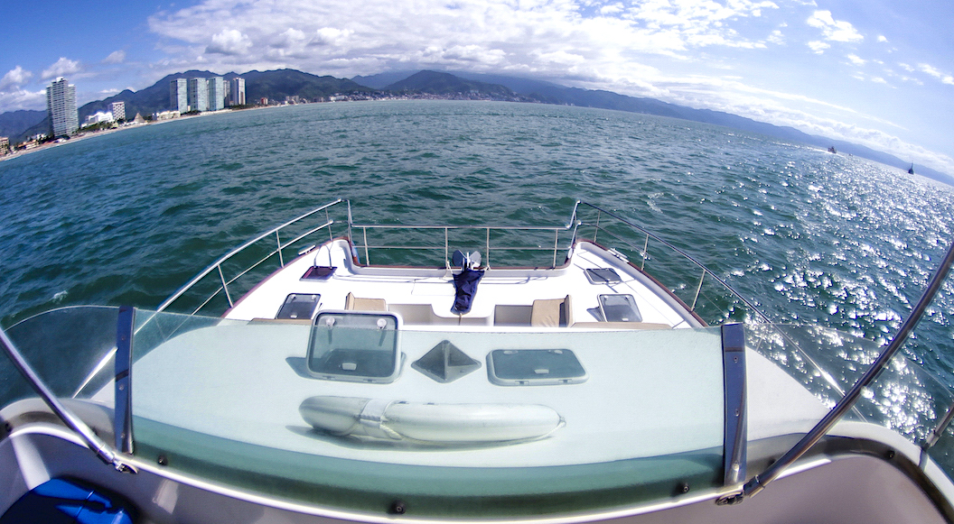 43-FT-Lagoon-Power - Front deck fly's view