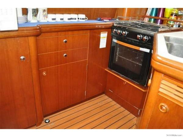 43-FT-Lagoon-Power - Galley