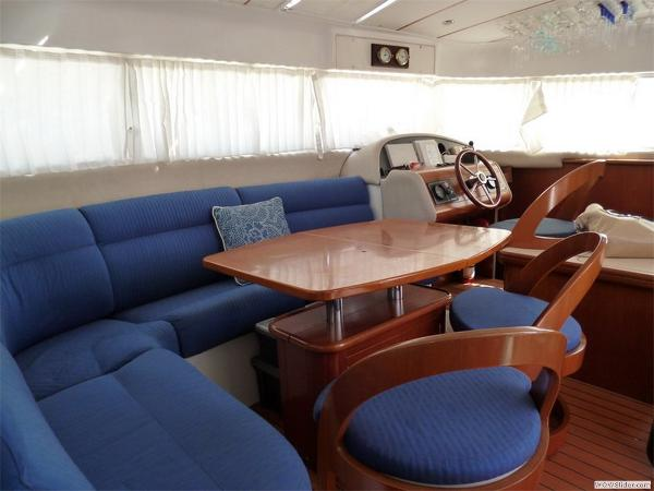 43-FT-Lagoon-Power - Pilot House and Cabin