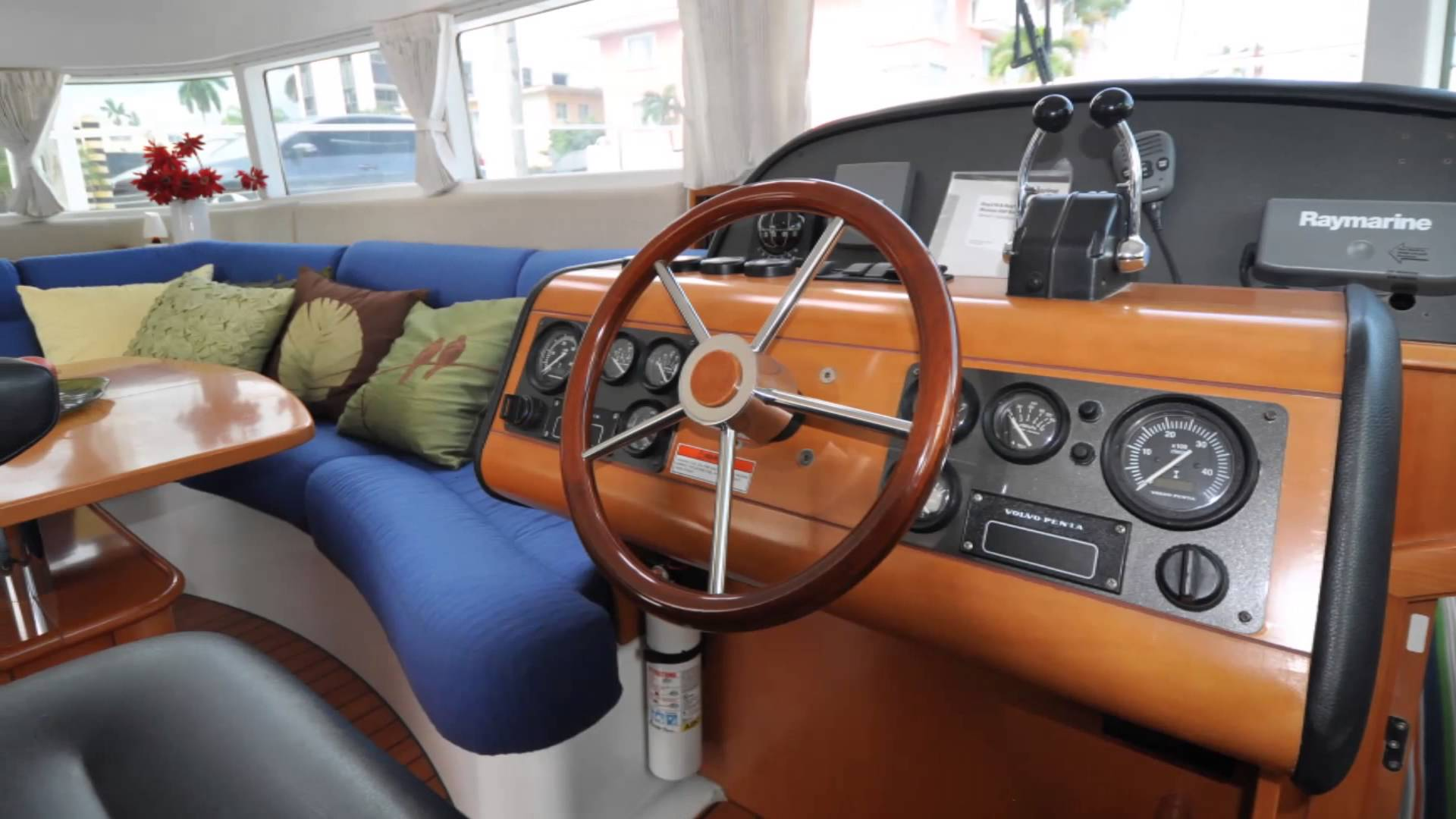 43-FT-Lagoon-Power -pilot house and interior dining