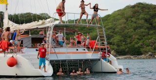 56 ft. Luxury Sailing Catamaran - (2 - 50 People)