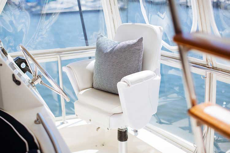 10-Mikelson-64-interior-Boat