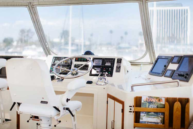 11-Mikelson-64-interior-Boat
