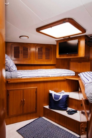 18-Mikelson-64-interior-Boat