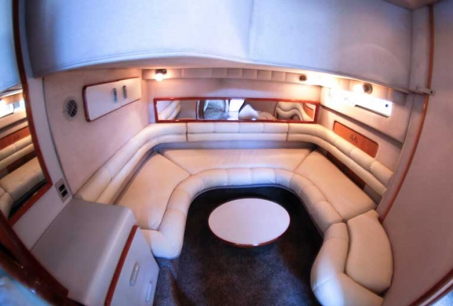 42 FT Sea Ray - Lounges under deck