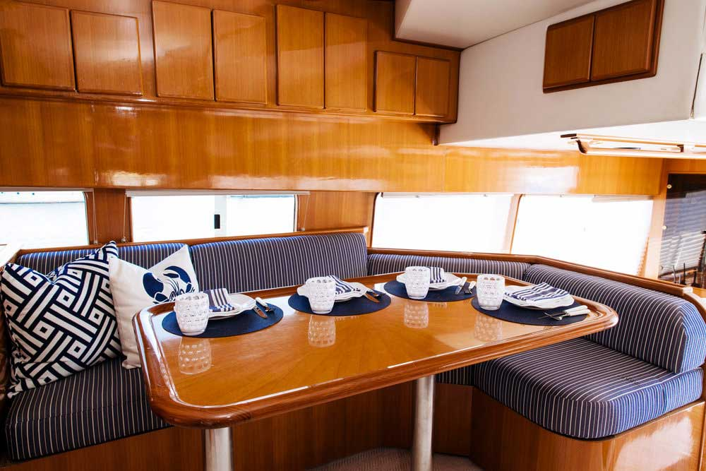 7-Mikelson-64-interior-Boat