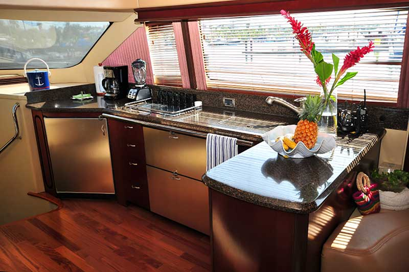 60 FT Sea Ray - Power Yacht - Up to 18 people