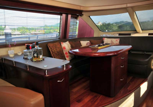 60 FT Sea Ray - Power Yacht - Up to 18 people5