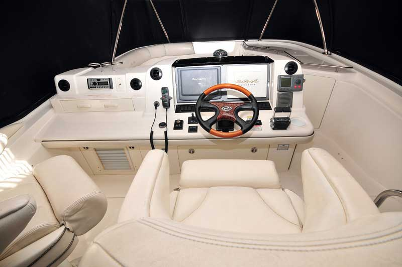 60 FT Sea Ray - Power Yacht - Up to 18 people - Full-Navigation