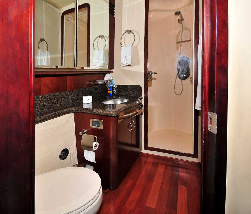 60 FT Sea Ray - Power Yacht - Up to 18 people - Immaculate-Master-Full-Bathroom