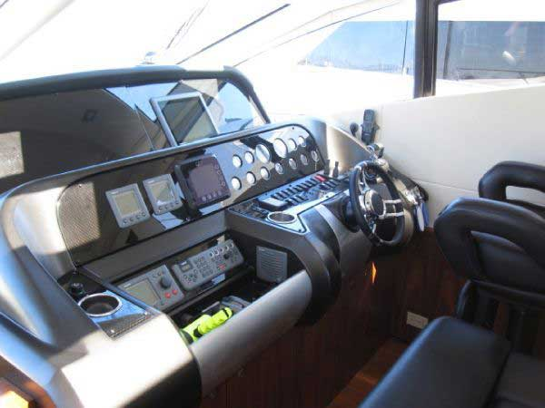 Sunseeker Predator 64 FT - Power Yacht - Fully-Equipped-Helm-Station