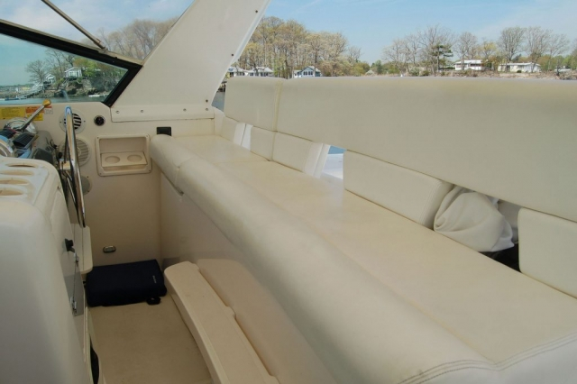 42 FT. Tiara - Power-Yacht - Up to 12 People - Other Helm Seat