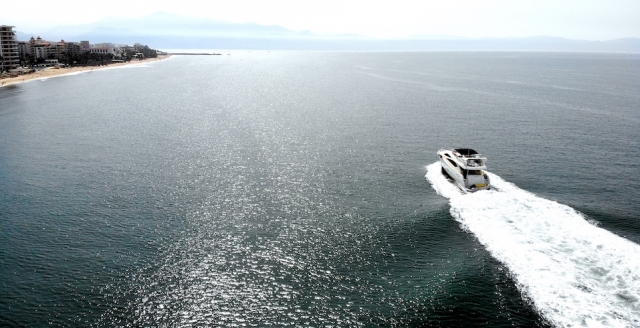 76 ft. Sunseeker - Power Yacht - Up to 16 People6