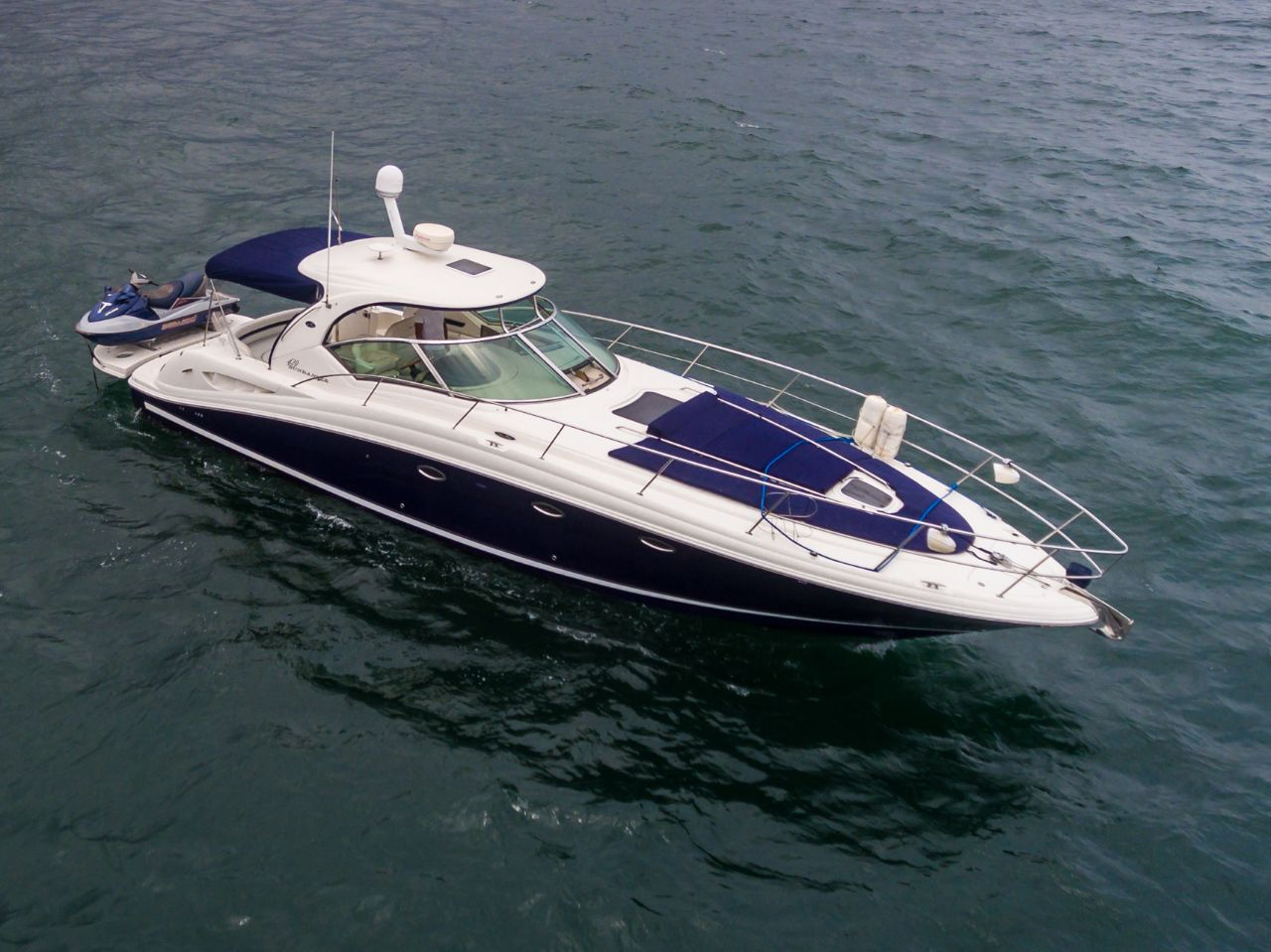Sundancer 420 on the sea